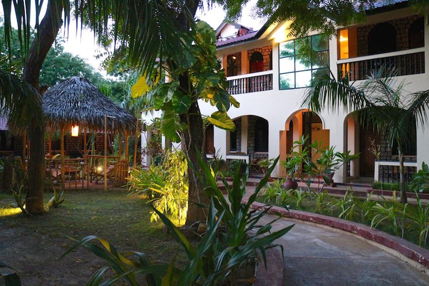 ホテル【Hotel Blazing】(Bagan/バガン)