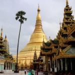 「シュエダゴン・パゴダ」ヤンゴンの中心で黄金に輝く仏塔