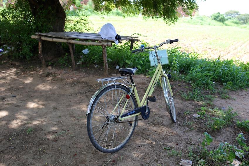 バガン遺跡はどう巡る?馬車と自転車で観光した結果…