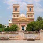 ベンガル湾に臨むファサードの双塔が美しい「Eglise de Notre Dame des Anges」in Pondicherry