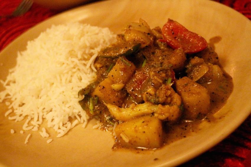 【Madame Shanthes Cafe Restaurant】具だくさんベジタブルカレー(Pondicherry/ポンディシェリ)