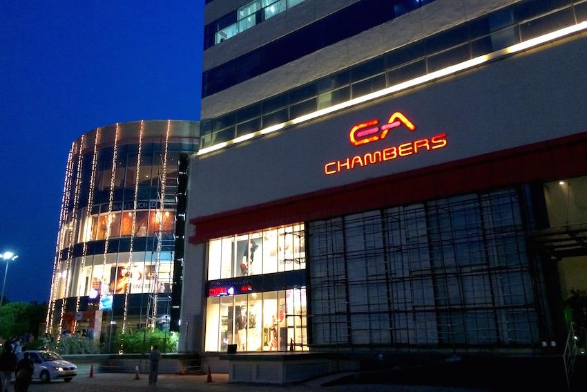 チェンナイ市街の大型ショッピングモール「Express Avenue」へ行こう