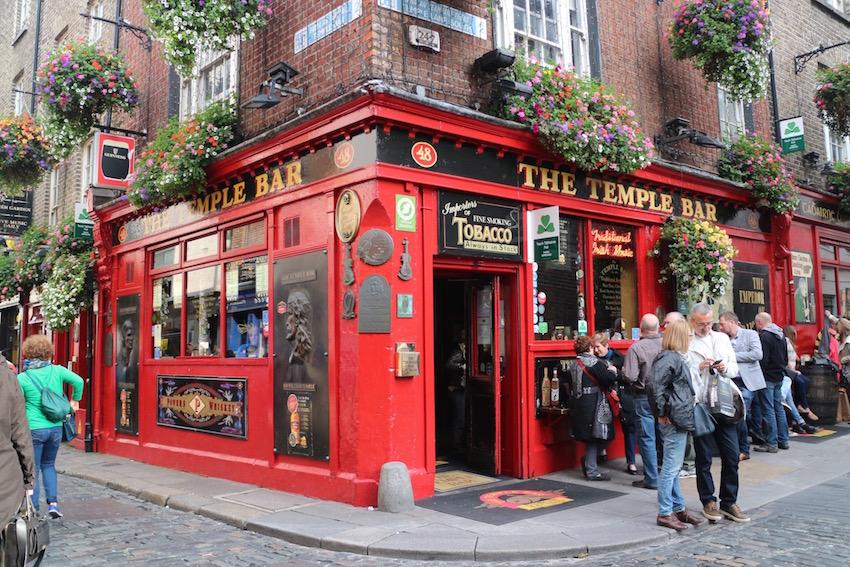 【The Temple Bar Pub】テンプルバーの名を冠するアイリッシュパブ(Dublin/ダブリン)