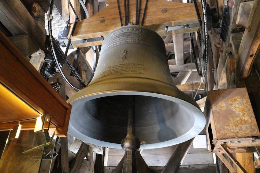 そして、一番見てみたかったのは「鐘」です。ユゴーの小説を原作としたディズニーの長編アニメーション映画『ノートルダムの鐘』で一躍有名になりました。
