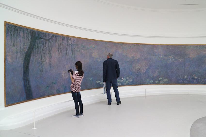 「オランジュリー美術館」明るい陽光に咲くモネの大連作『睡蓮』